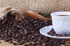 Colombianskt grillat kaffe i massa arkivbilder