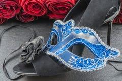 Colombinaen, den blåa karnevalet eller maskeradmaskeringen arkivfoton