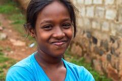 COLOMBO, SRI LANKA - CIRCA DICIEMBRE DE 2016: Retrato del adolescente no identificado sonriente Imagen de archivo