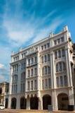 Colombo, Sri Lanka - 11 febbraio 2017: Via di principe di architettura coloniale olandese Il precedenti grande magazzino di White immagini stock libere da diritti