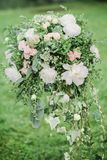Colomn avec des fleurs pour la cérémonie werdding Photos stock