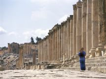 Colonade street in Jerash, Jordan stock photography