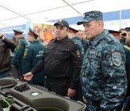 Colonel-général de la police, député Minister de l'intérieur de la Fédération de Russie Arkady Gostev au salon international Image stock