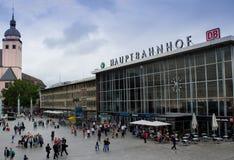 Colonia, Alemania - 13 de agosto de 2011: Estación de tren de Colonia, Germa imágenes de archivo libres de regalías