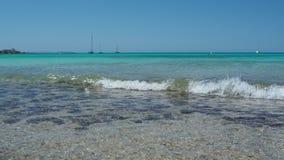 Colonia Sant Jordi, spain Paisagem de surpresa da praia encantador Es Trenc Ganhou a reputa??o da praia das cara?bas vídeos de arquivo