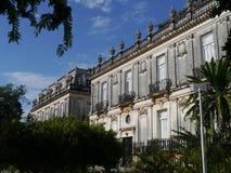Colonial взгляда Мериды Мехико расквартировывает montejo и искусство paseo Стоковые Фото