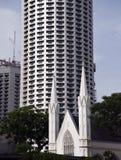 Colonial встречает современные небоскребы стоковые фотографии rf