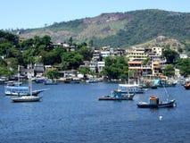 Colonie de pêcheur dans Jurujuba B photographie stock libre de droits