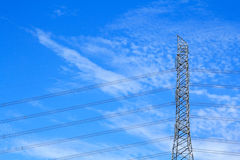 Colonna ad alta tensione elettrica del metallo Immagini Stock