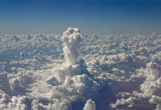 Colonna alta insolita della nube Fotografie Stock Libere da Diritti