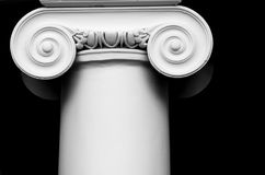 Colonna bianca antica immagini stock