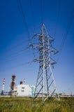 Colonna con i powerlines Immagini Stock