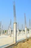 Colonna del cemento nel sito della costruzione Immagini Stock Libere da Diritti