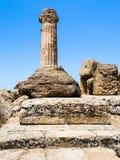 Colonna del Dorian del tempio di Heracles a Agrigento fotografia stock