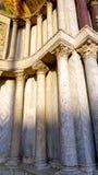Colonna di marmo della macro di San della cattedrale immagine stock