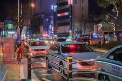Colonna di sera di un taxi fotografie stock libere da diritti