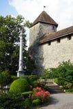 Colonna e castello fotografie stock