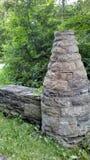 Colonna e parete di pietra fotografie stock