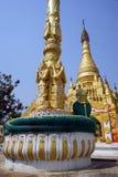 Colonna e stupa fotografia stock libera da diritti