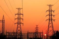 Colonna elettrica ad alta tensione Fotografia Stock