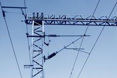 Colonna ferroviaria dell'acciaio della rete del contatto di elettrificazione Immagini Stock Libere da Diritti