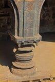 Colonna scolpita, fortificazione teenager di panhala di darwaza Fotografia Stock Libera da Diritti