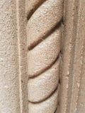 Colonna a spirale della pietra del modello immagini stock
