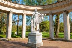 Colonnade d'Apollo dans Pavlovsk images libres de droits