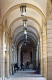 Colonnade in een centrum van Bologna, Italië royalty-vrije stock foto