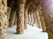 Colonnade en stationnement Guell Barcelone, Espagne Photos libres de droits