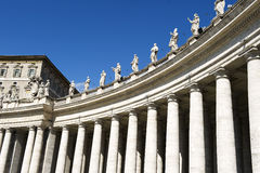 Colonnade in Piazza San Pietro (St Peter's) Stock Photo