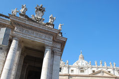 Colonnade van Heilige Peter Stock Fotografie