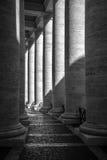 colonnadepeter s fyrkantig st Arkivbild