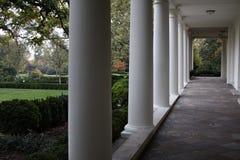 Colonnato ad ovest dell'ala della Casa Bianca  Immagini Stock Libere da Diritti