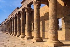 Colonnato al tempiale di Philae Immagini Stock Libere da Diritti