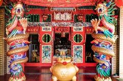 Colonne cinesi del drago e del tempio Fotografie Stock