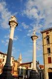 Colonne con la statua del leone in Signori di dei della piazza a Vicenza in Veneto (Italia) Fotografia Stock Libera da Diritti