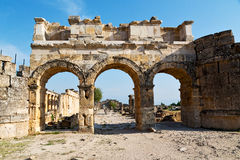 colonne de pamukkale d'histoire vieille le temple romain Images stock