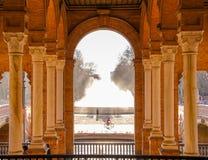 Colonne del quadrato della spagna, Sevilla immagine stock libera da diritti