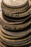 Colonne des pièces de monnaie en métal Le concept de l'économie Pièces de monnaie empilées sur e Photo stock