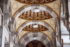 Colonne di Exterial del corridoio principale del Vijecnica, di precedente biblioteca e del comune di Sarajevo, Immagini Stock Libere da Diritti