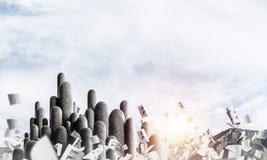 Colonne di pietra multiple con paesaggio strabiliante Immagini Stock