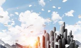 Colonne di pietra multiple con paesaggio strabiliante Immagine Stock
