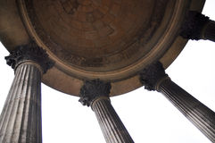 Colonne e cupola di pietra Immagine Stock