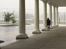 Colonne e pioggia Immagine Stock
