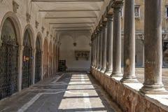 Colonne ed archi Immagine Stock