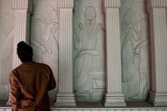 Colonne egiziane di stile del massone massonico del tempio immagini stock libere da diritti
