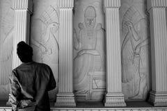 Colonne egiziane di stile del massone massonico del tempio immagine stock