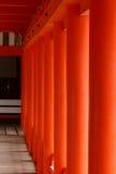 Colonne rosse al santuario di Itsukushima Immagine Stock Libera da Diritti
