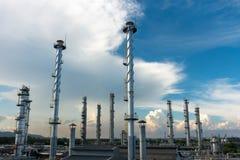 Colonne trattate della pianta del gas naturale Immagini Stock Libere da Diritti